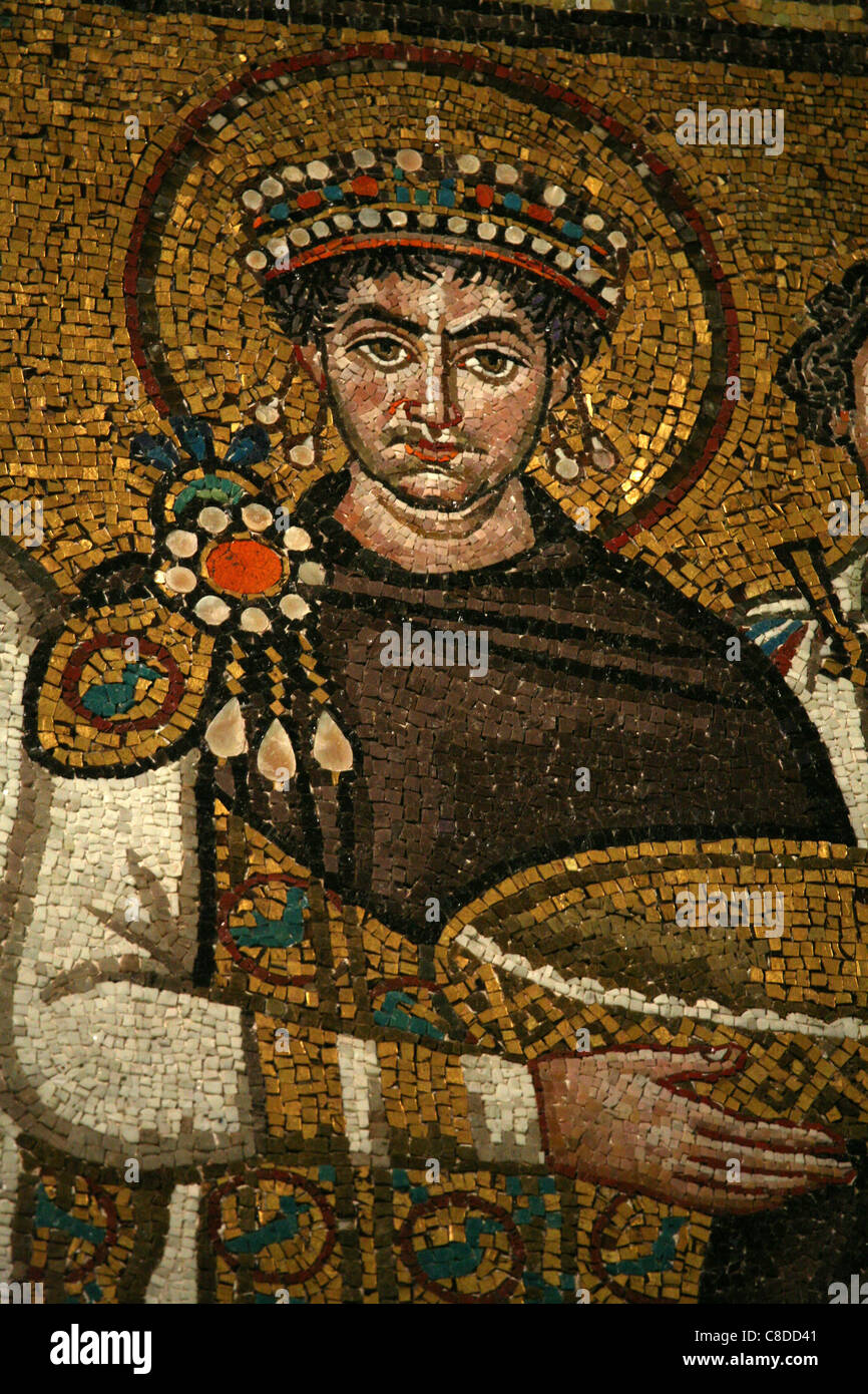 how did justinian revive the byzantine empire How did justinian revive the glory of rome wrote the code of justinian - laws for byzantine empire that were based on the roman law greek orthodox christianity developed in byzantine empire byzantine art and architecture inspired by christian religion and imperial power.