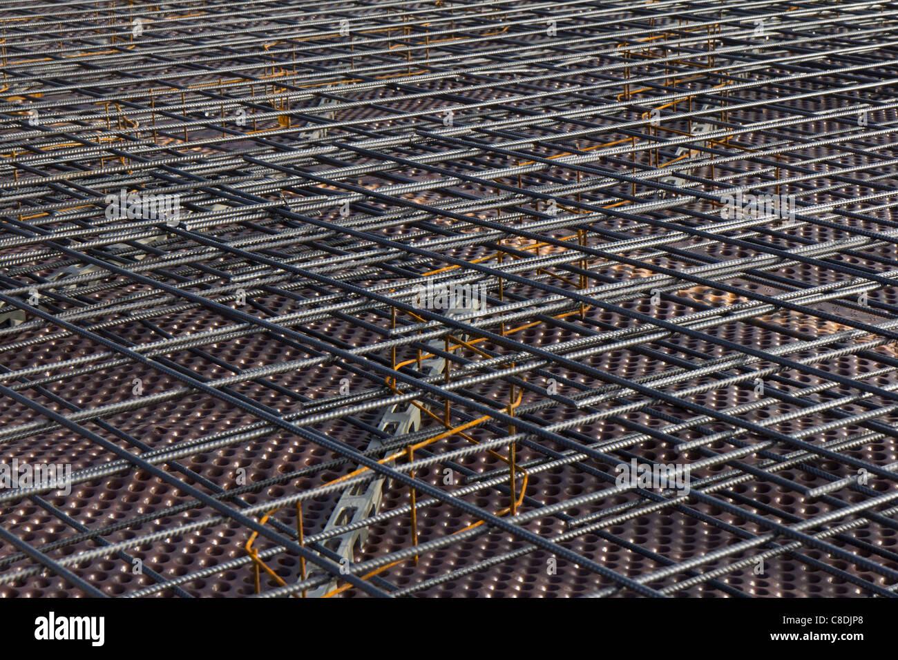 Steel Concrete Slab : Reinforcement steel mats for concrete slab foundation