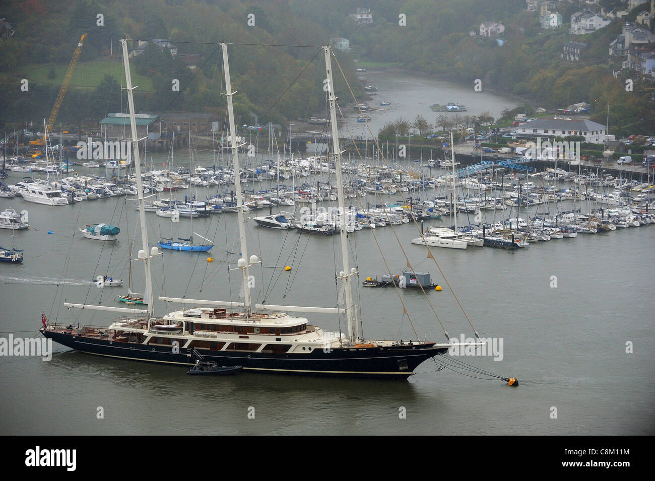 The super yacht eos the largest private sailing yacht in for Largest private boat