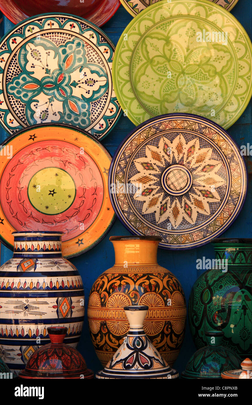 Moroccan pottery stock photos moroccan pottery stock images alamy moroccan pottery plates vases for sale featuring traditional islamic designs in the medina at essaouira reviewsmspy