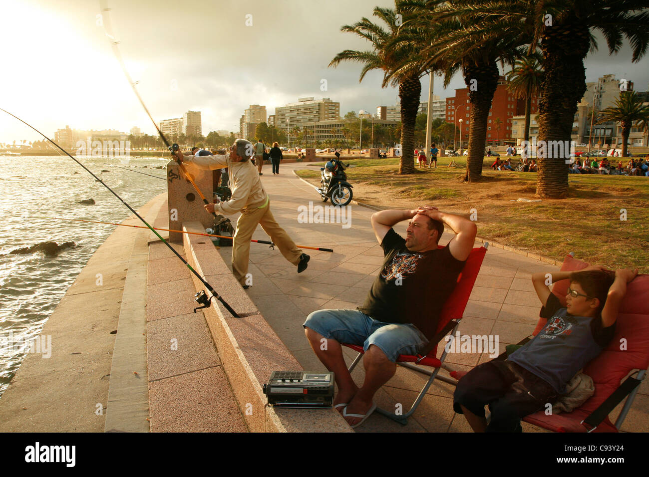 People fishing and walking along the rambla the city s for Videos of people fishing