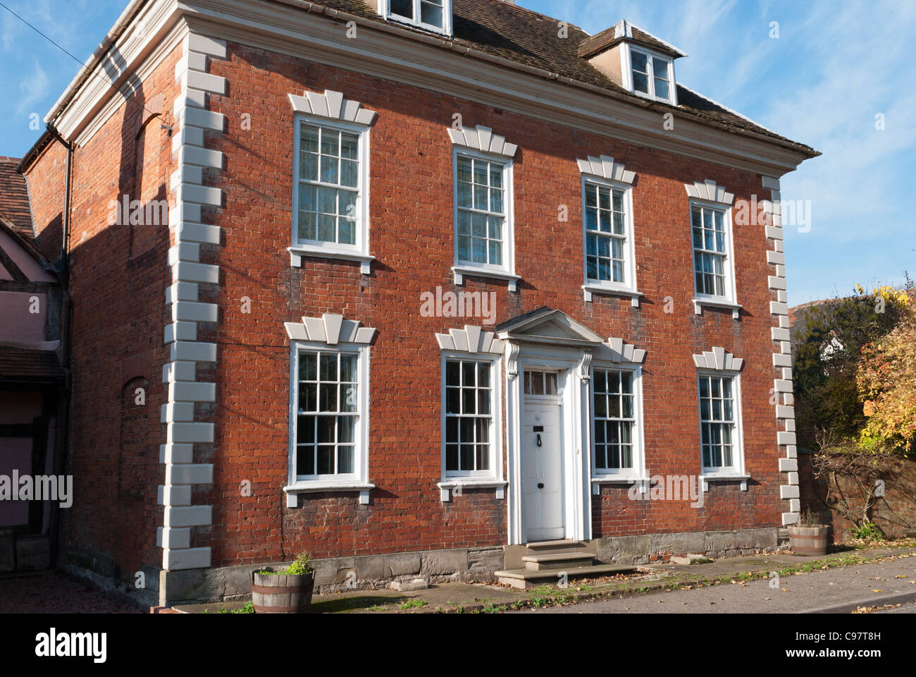 Red brick house images galleries with for Traditional brick homes