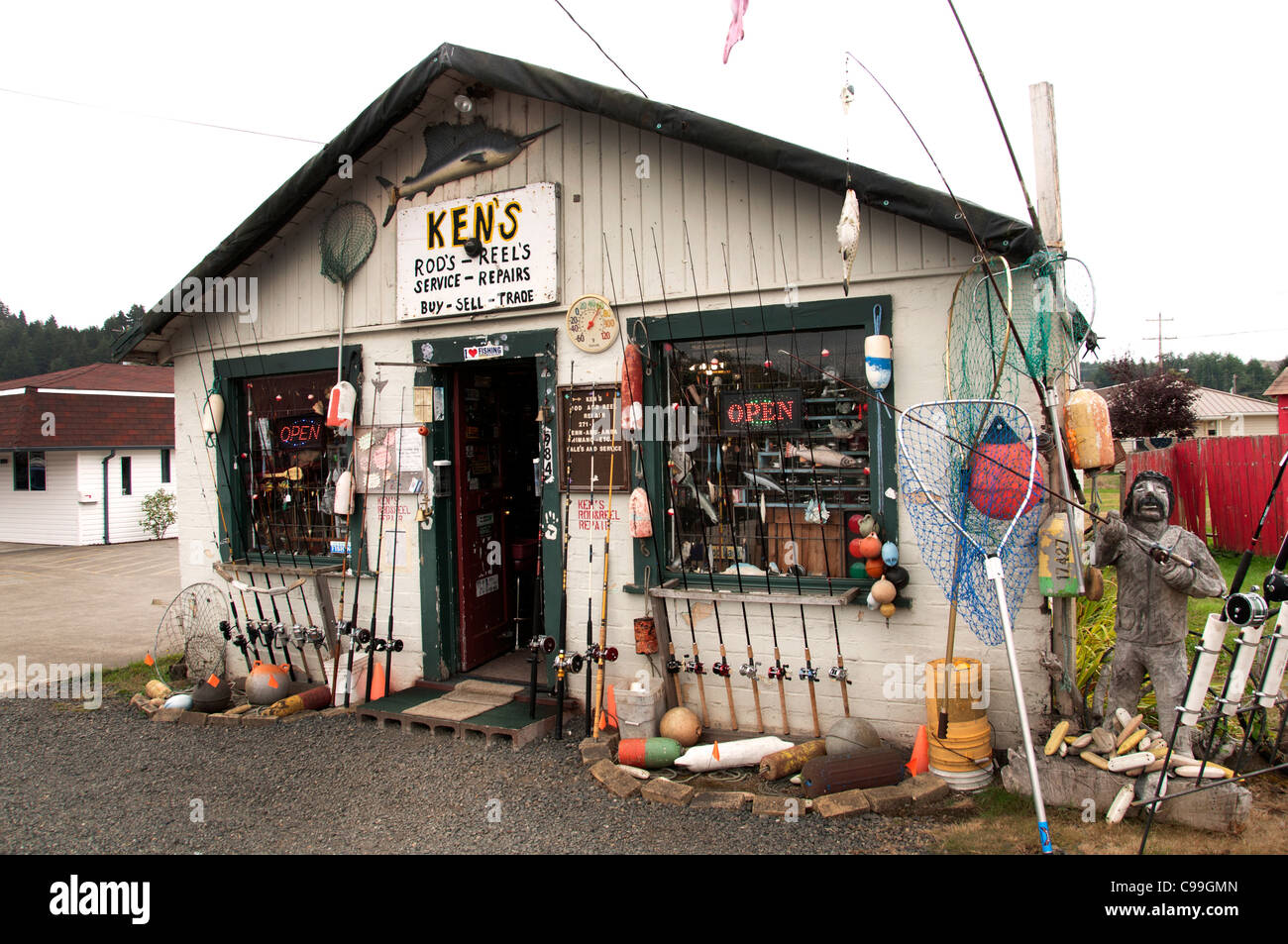Ken 39 s rod 39 s reel s fish and tackle shop reedsport oregon for Fishing equipment stores