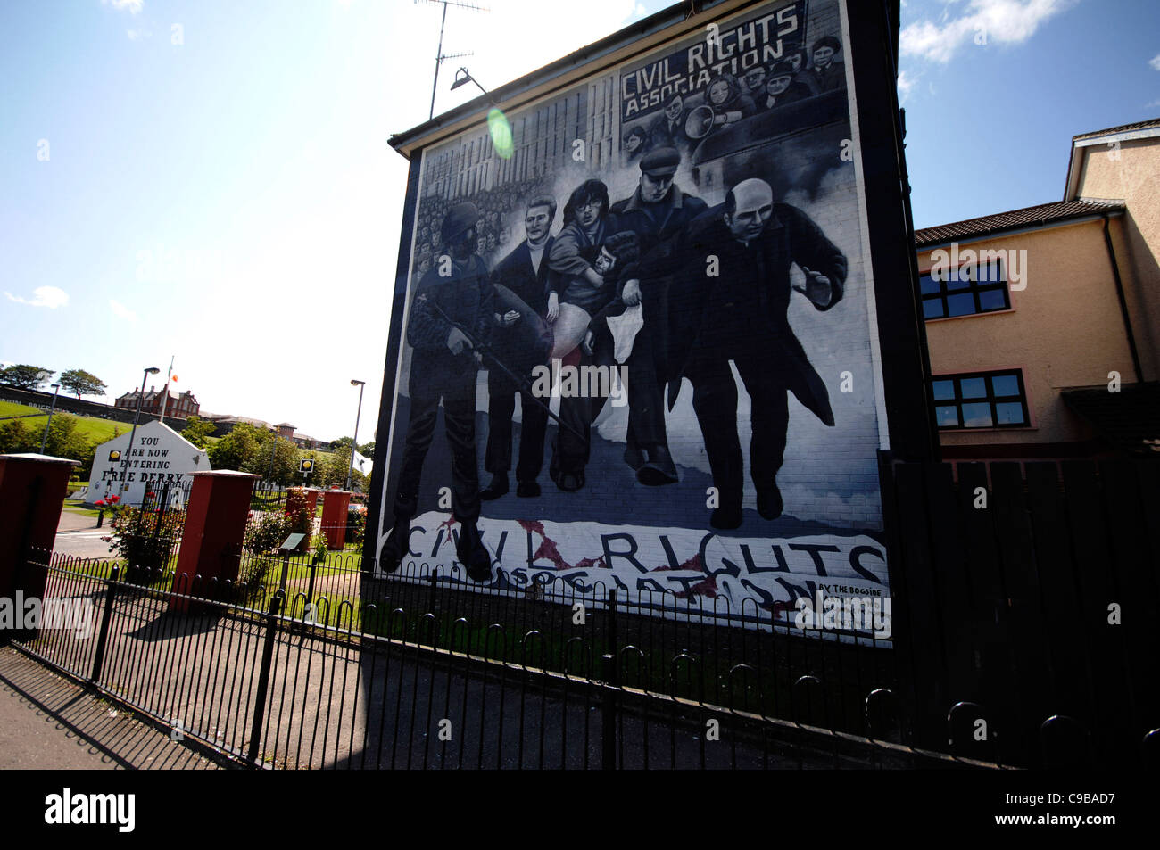 bloody sunday wall mural in the bogside the mural