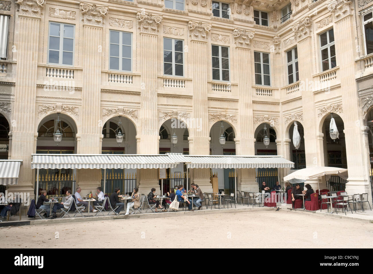 Caf Restaurant Jardins Du Palais Royal Paris France
