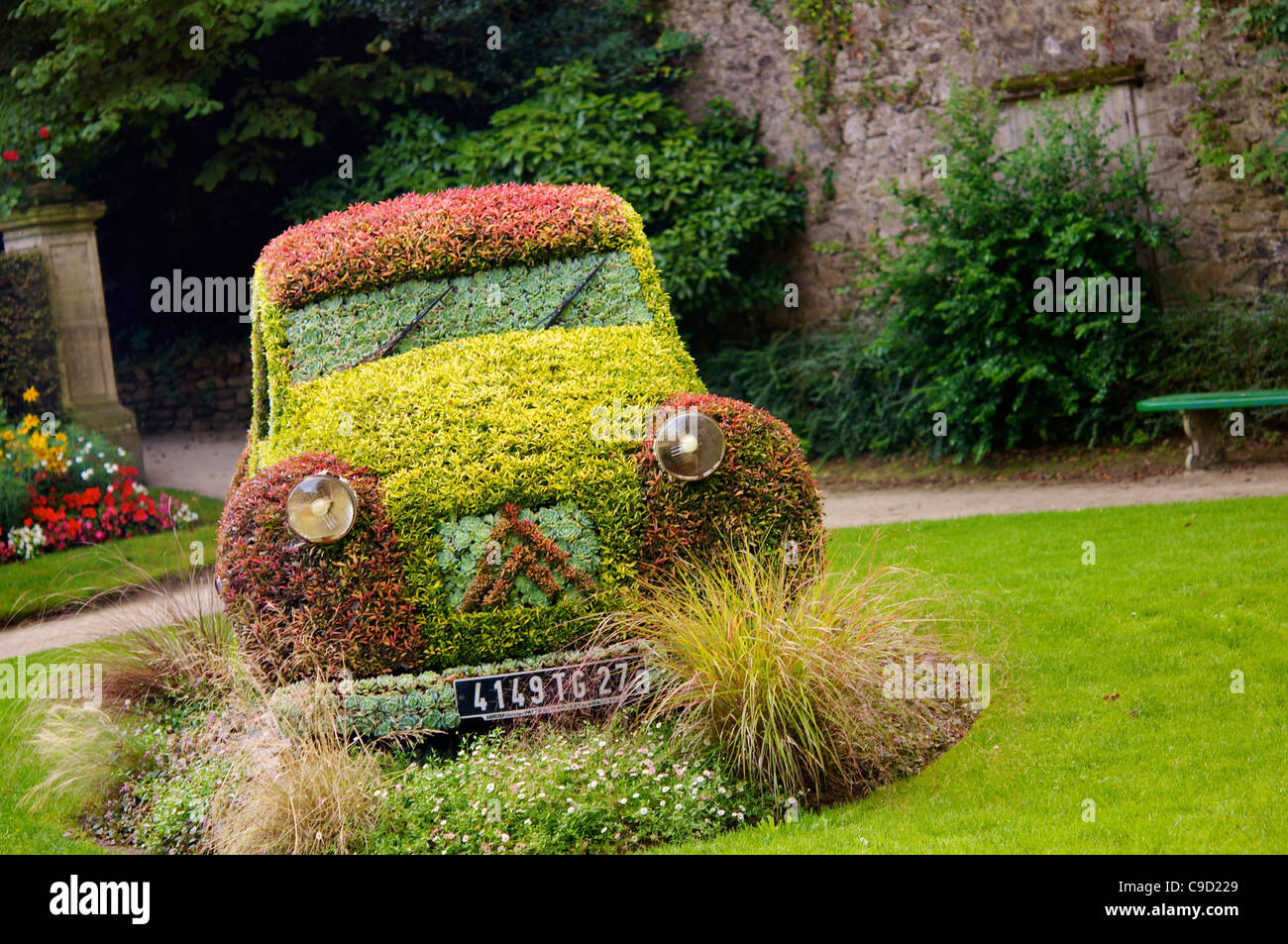 A Flower Bed In The Shape Of An Old Citroen 2cv At The Botanical ...