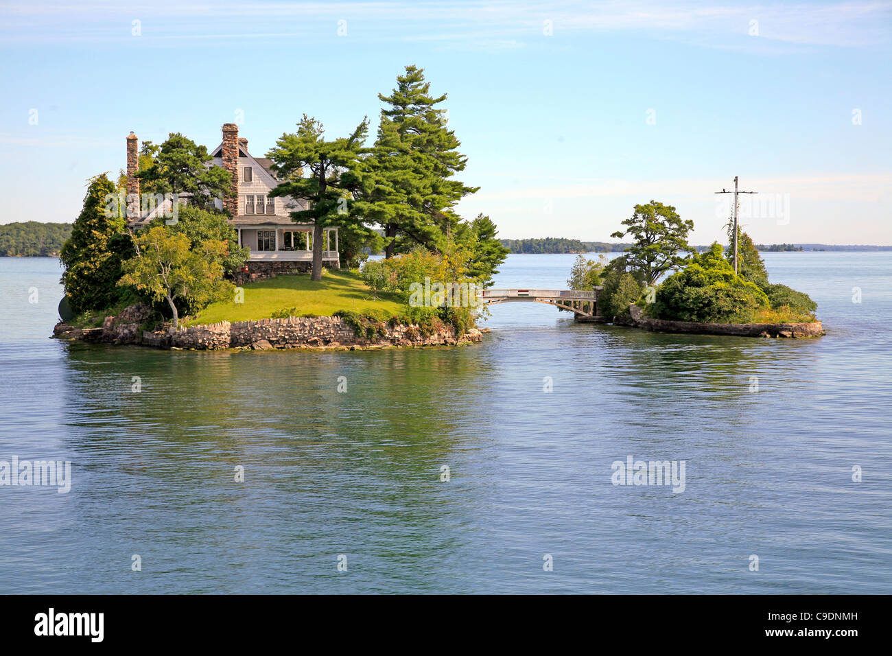 Homes;Cottages;Retreat;on remote Islands and Archipelago in Sweden and on  Thousand islands in Ontario;Canada
