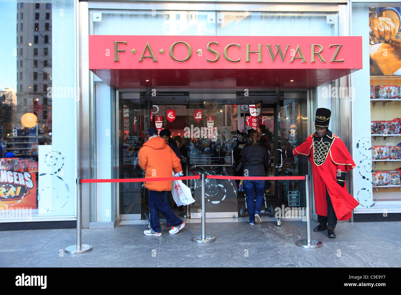 Fao schwarz new york stock photos fao schwarz new york stock fao schwarz toy store decorated for christmas holiday shopping season fifth avenue manhattan sciox Image collections