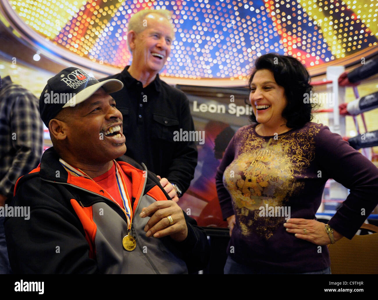 Feb 18 2012 las vegas nevada us retired boxer leon spinks 18 2012 las vegas nevada us retired boxer leon spinks l shares a laugh with al and tracy embry during a meet and greet session at the mgm grand kristyandbryce Choice Image