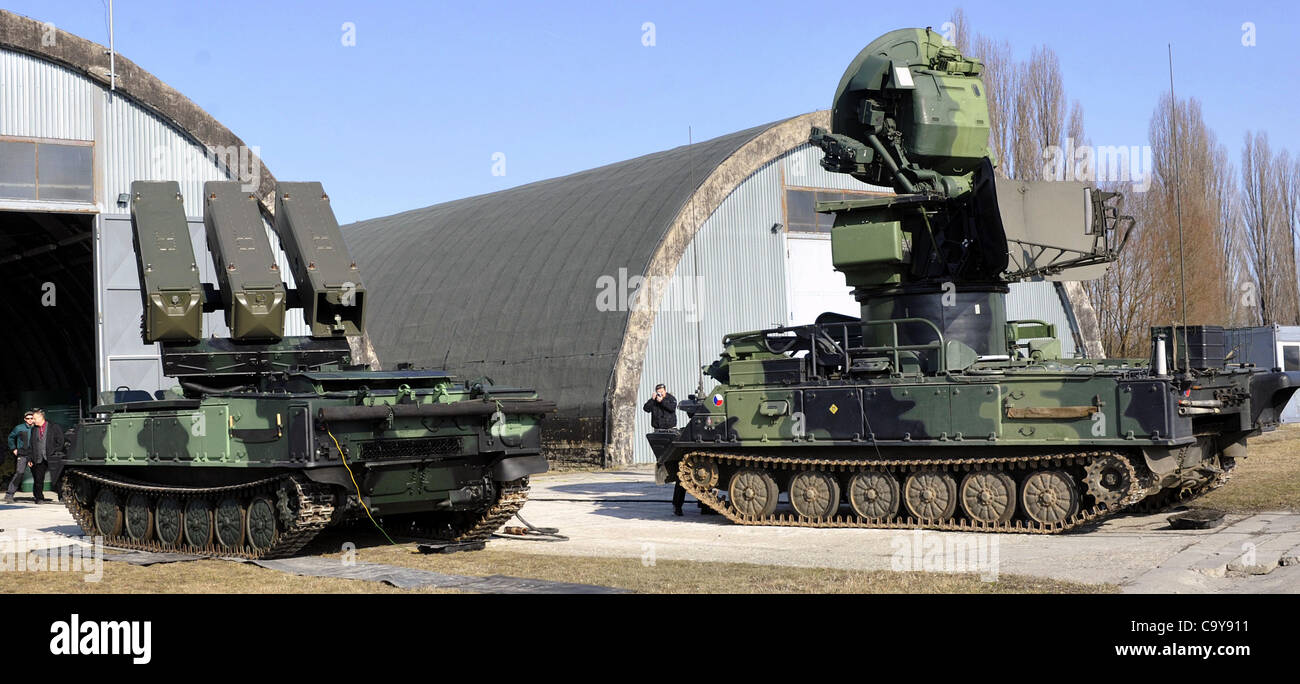 Self Propelled Cart >> Self-propelled tactical air defence missile system 2K12 ...