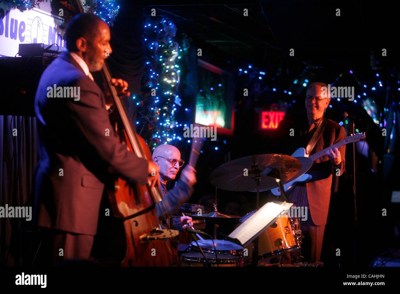 Paul Motian Trio - Trioism