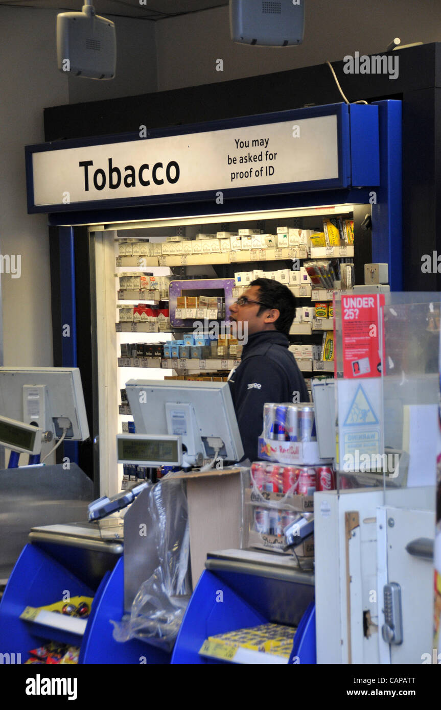 How much LM cigarettes cost in Glasgow