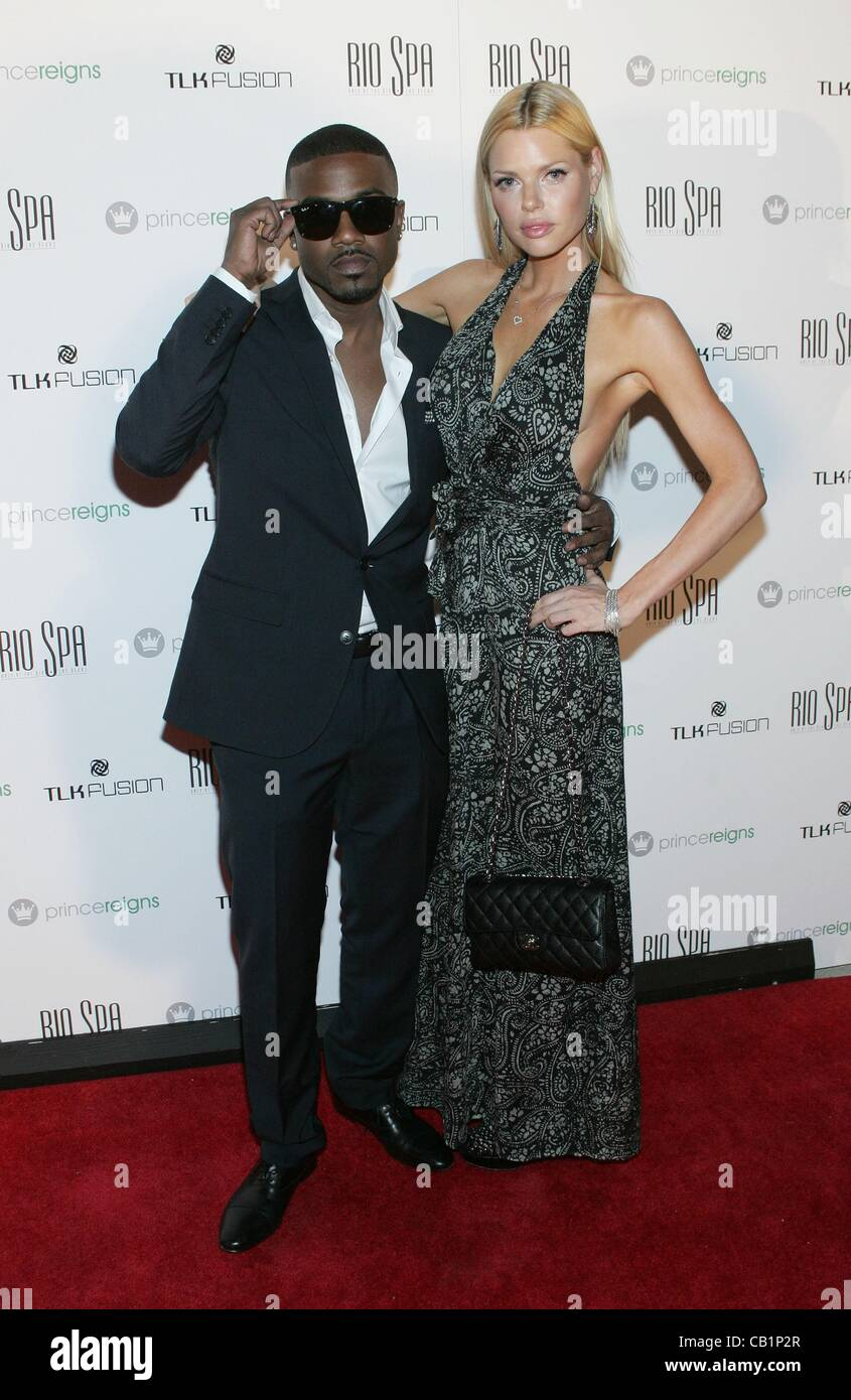 Sophie monk and ray j