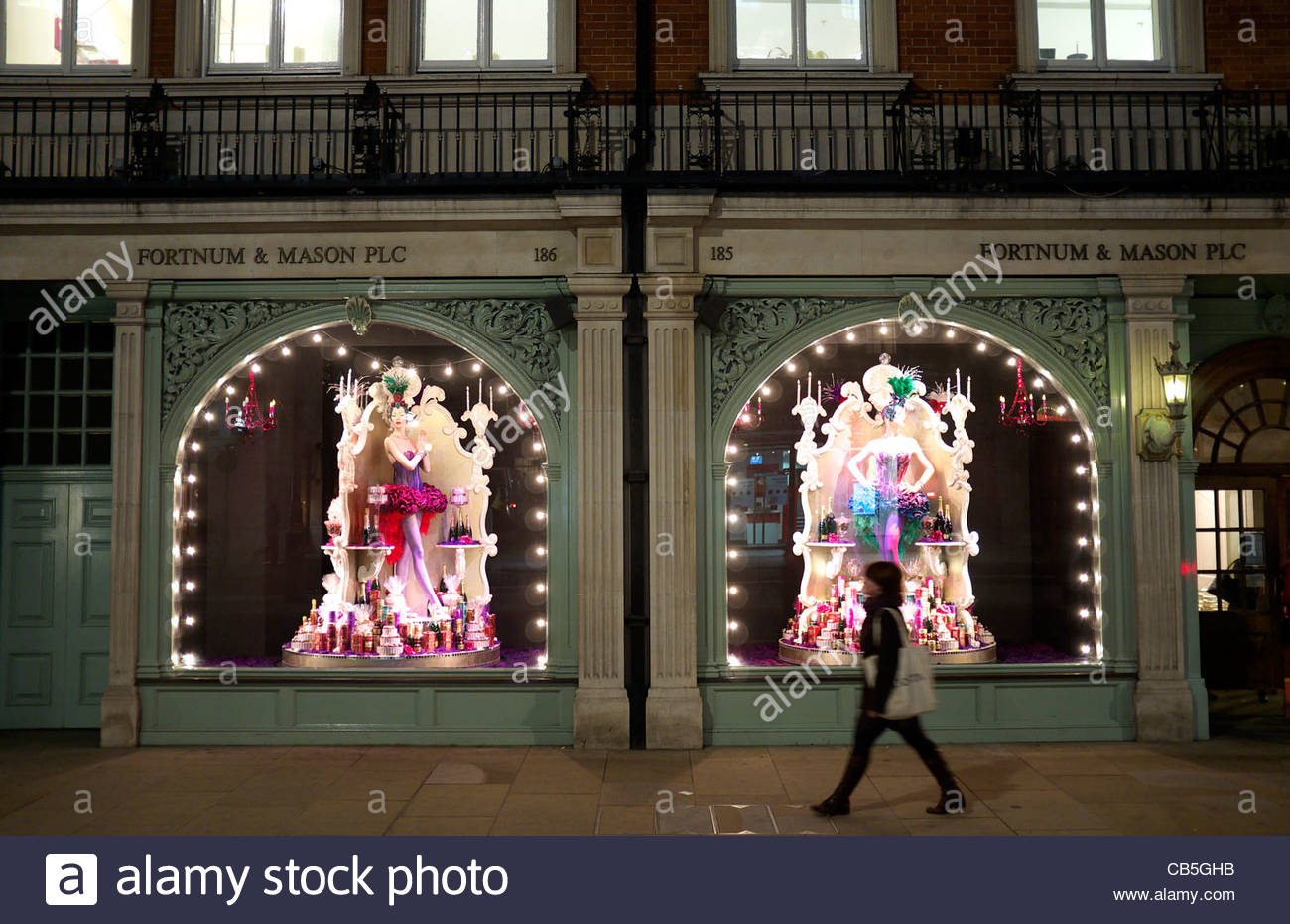 Fortnum mason store with burleseque themed christmas - Fortnum and mason christmas decorations ...