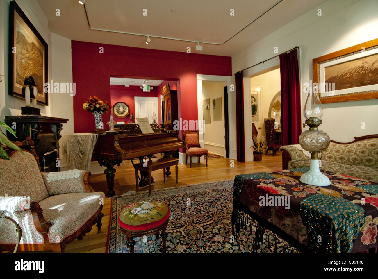 Queen Anne Style Living Room Furniture Queen Anne Room Stock Photos Queen Anne Room Stock Images Alamy