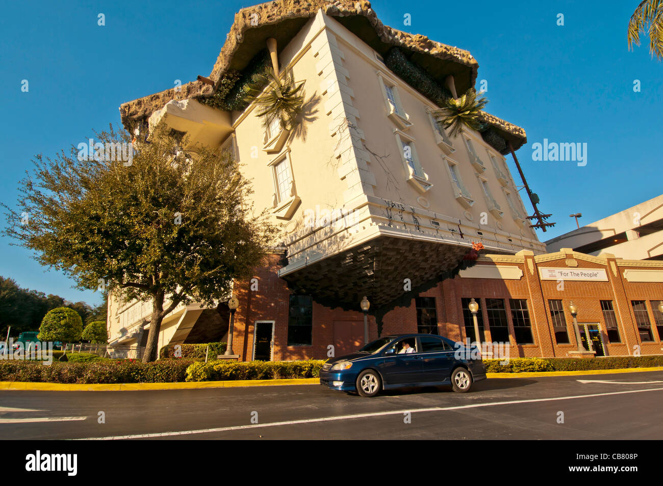Wonderworks Attraction Upside Down Building With Auto For