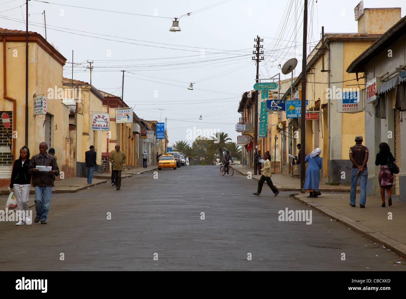 asmara-street-scene-eritrea-africa-CBCXKD.jpg