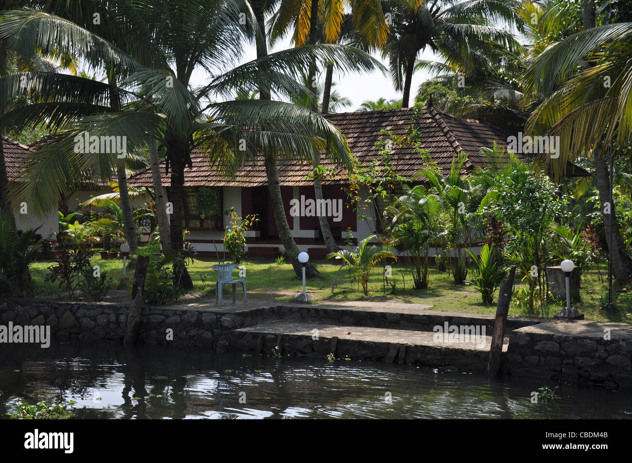 an old fashioned housethe side of backwaters in alleppy kerala