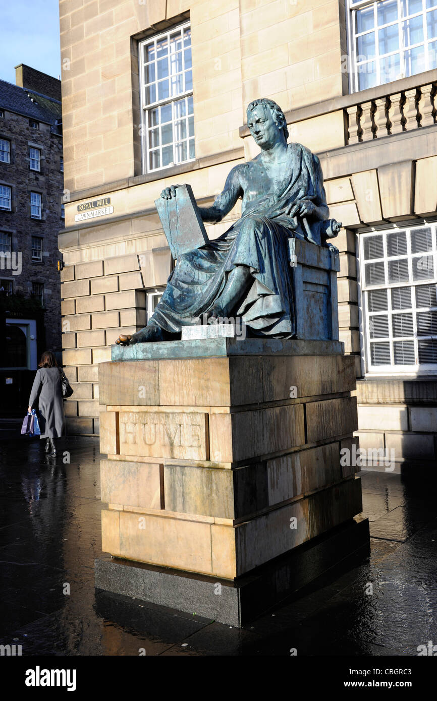 david hume stock photos david hume stock images  david hume statue done by sculptor sandy stoddart royal mile edinburgh scotland