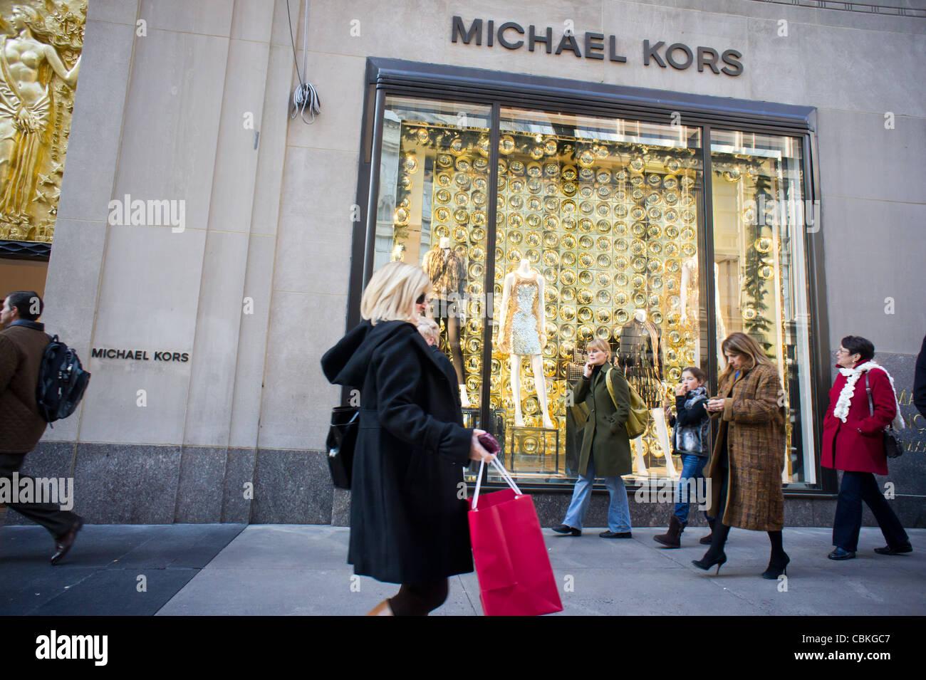The michael kors store in rockefeller center in new york for Michael kors rockefeller center