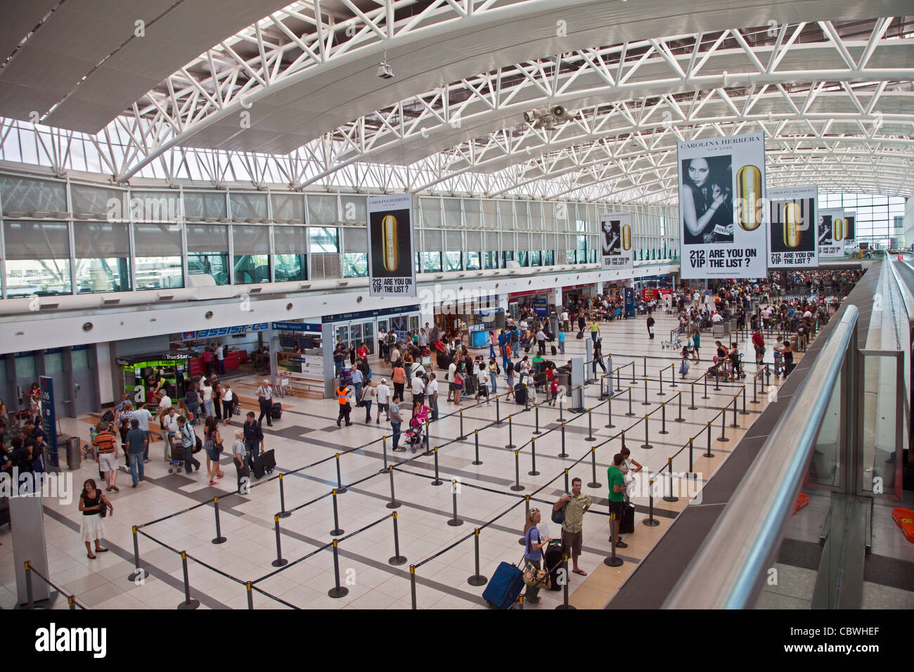 Aeroporto Ezeiza : Interior of terminal at ezeiza international airport