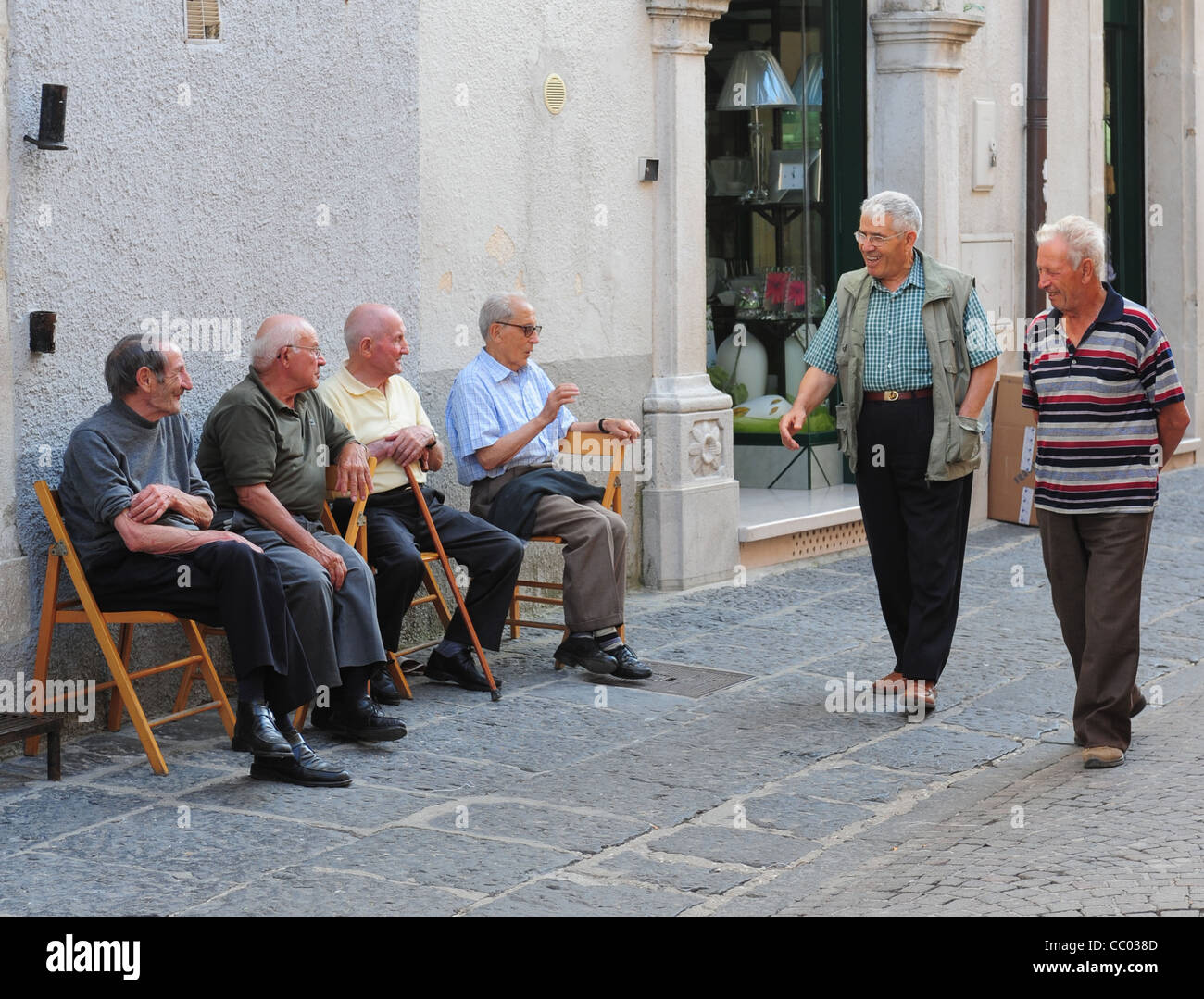 europe-eu-italy-italia-pensioners-retire