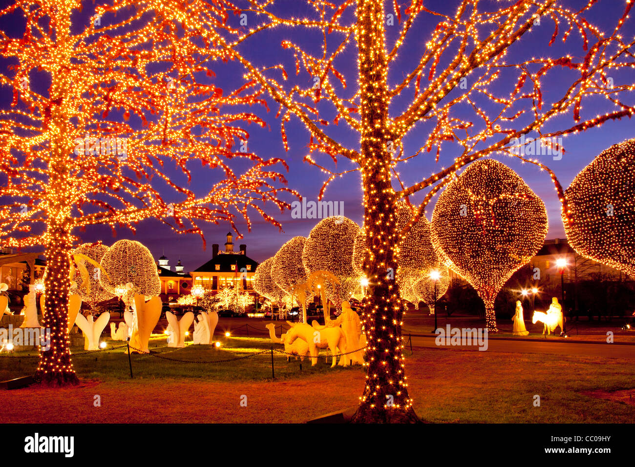 Christmas decorations and lights at Opryland Hotel, Nashville ...