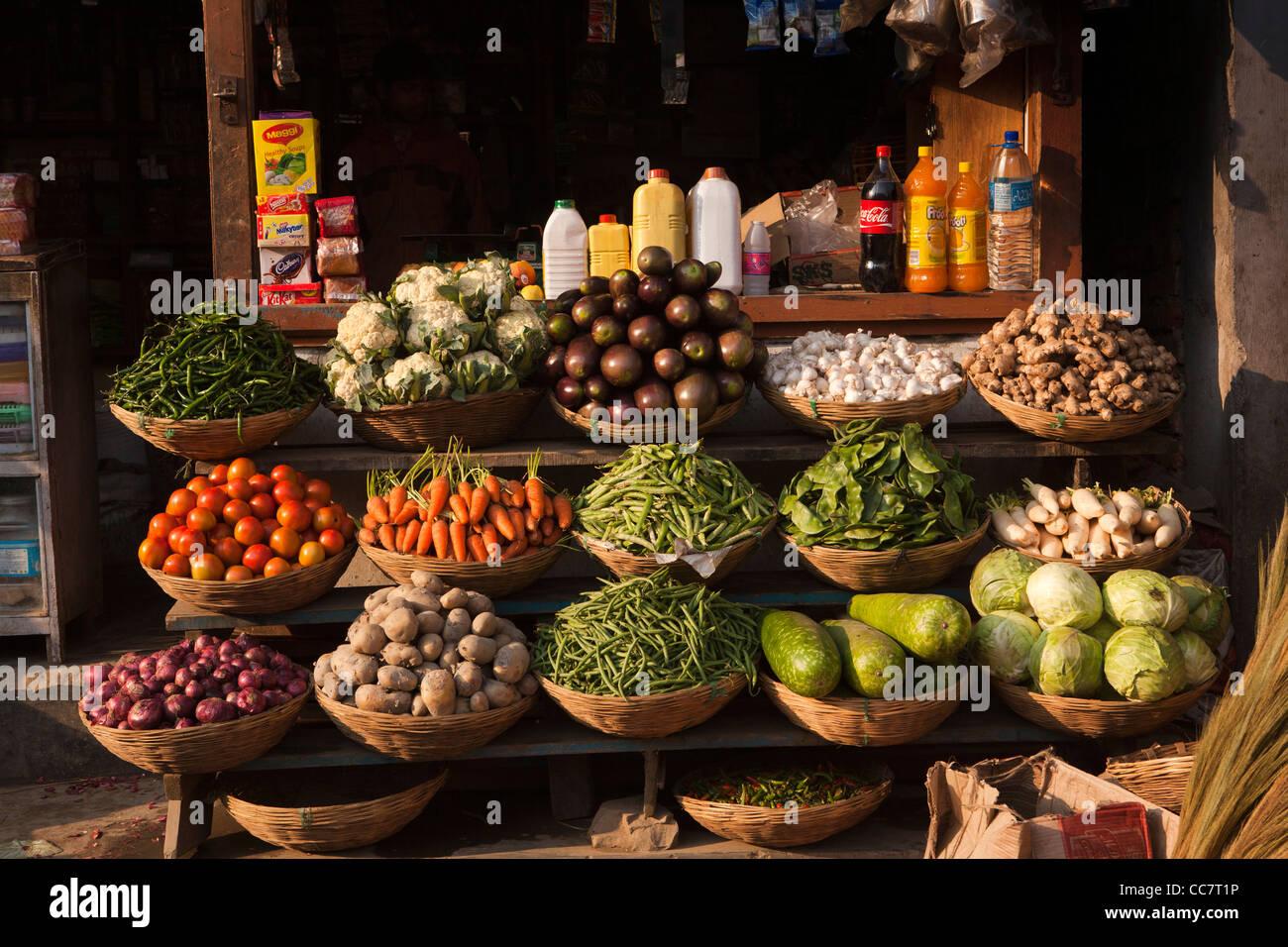 India arunachal pradesh dirang bazaar early morning for Arunachal pradesh cuisine