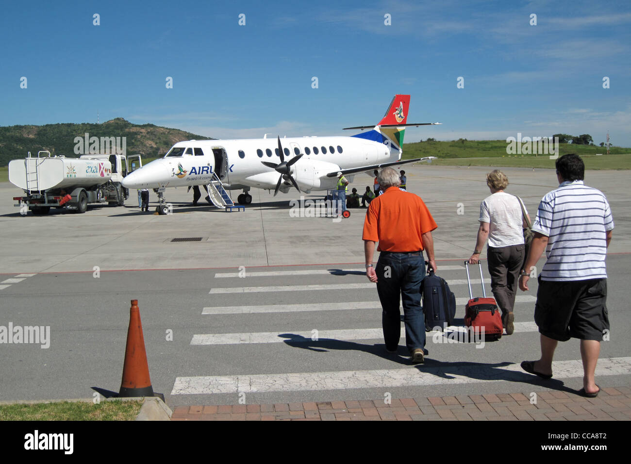 Nelspruit South Africa  City pictures : ... Passengers boarding Airlink aircraft at Nelspruit Airport South Africa