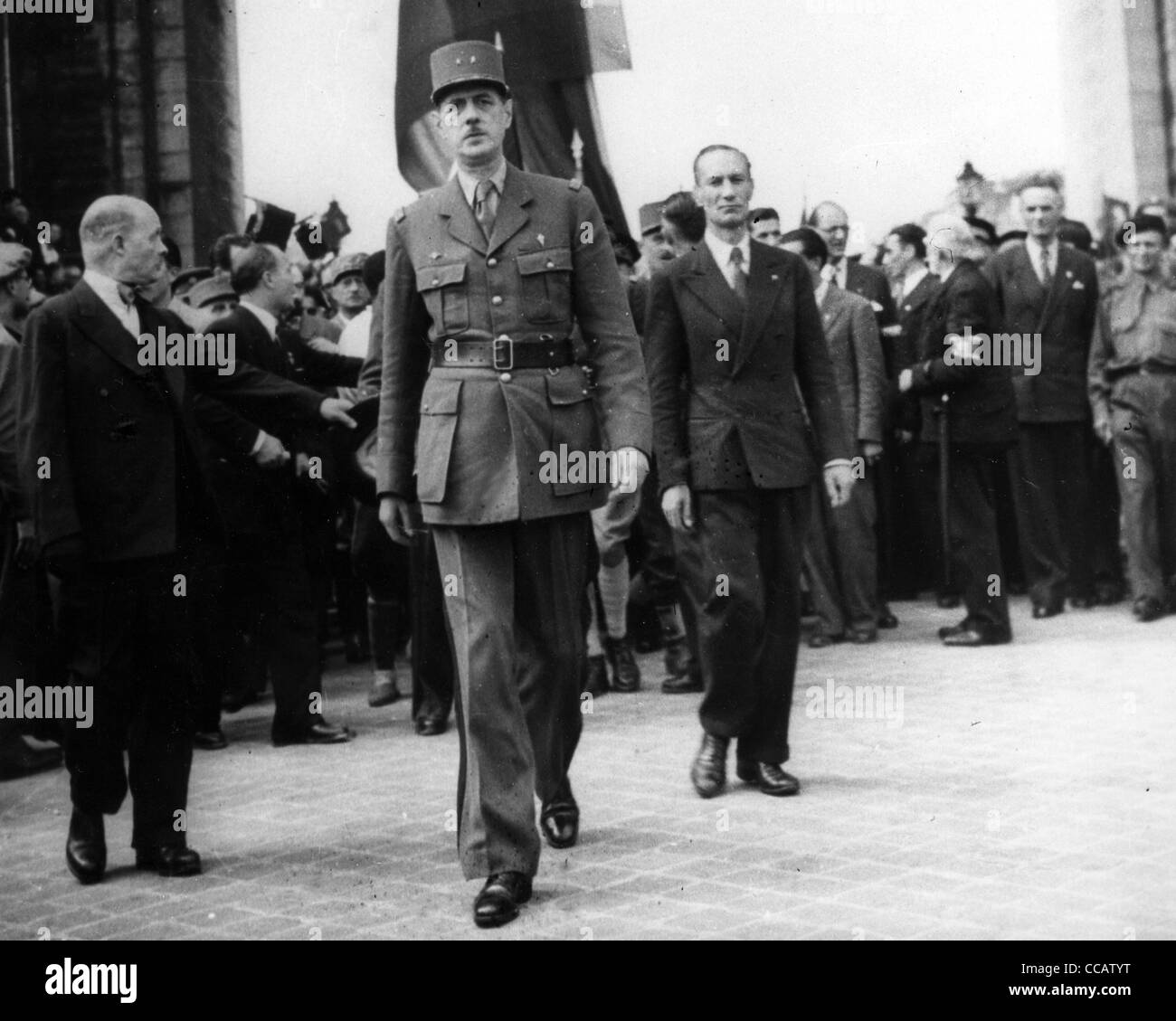general charles de gaulle at the arc de triomphe in 1944 after the stock photo royalty free. Black Bedroom Furniture Sets. Home Design Ideas