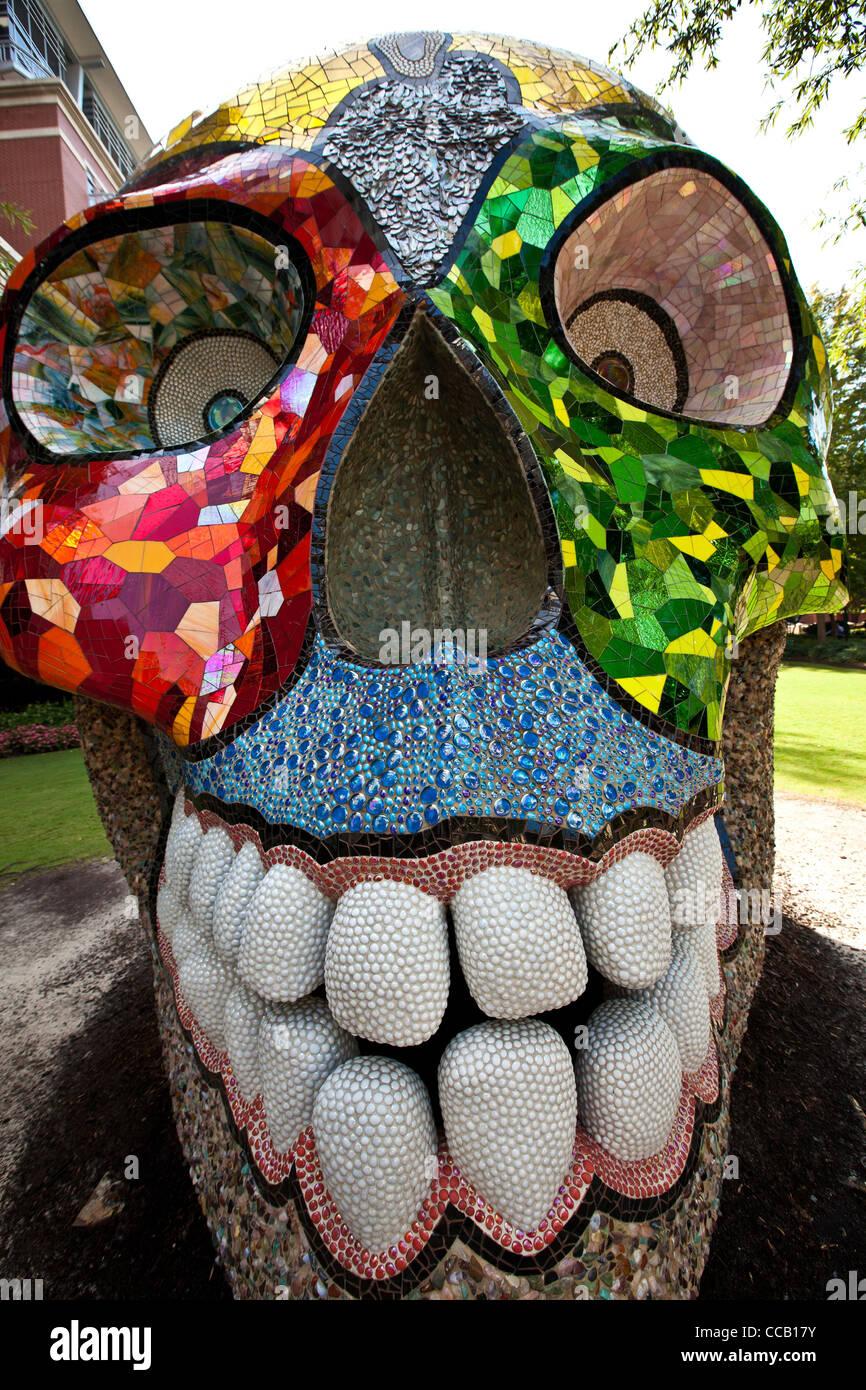 Artist niki de saint phalle mythology creation la cabeza for Art jardin creation