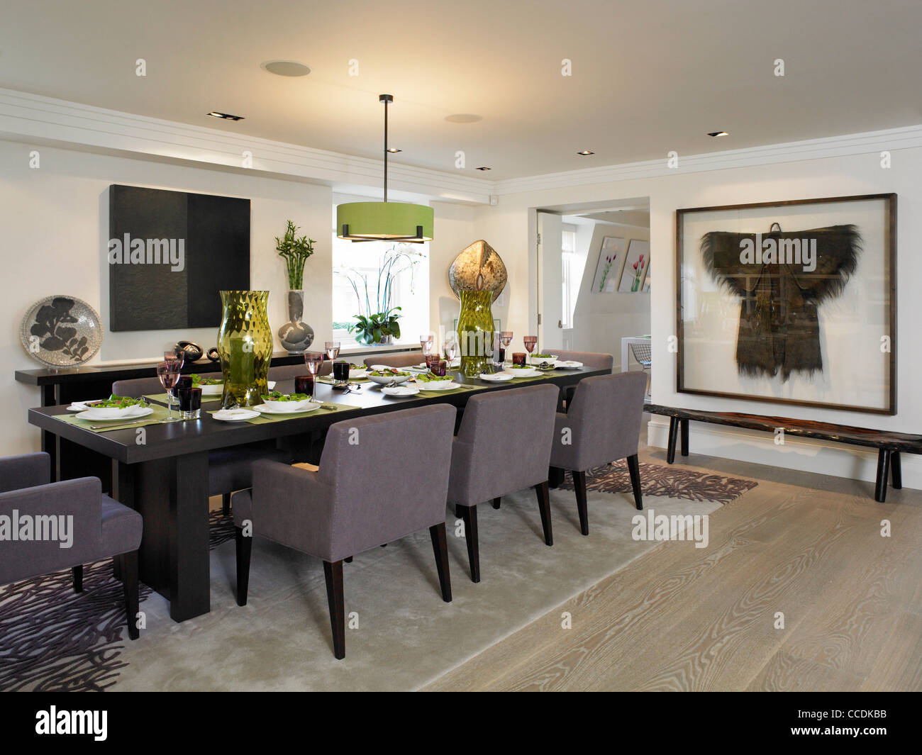 Private Penthouse Apartment In Belgravia London Dining Area And Entrance To Kitchenmid Frame