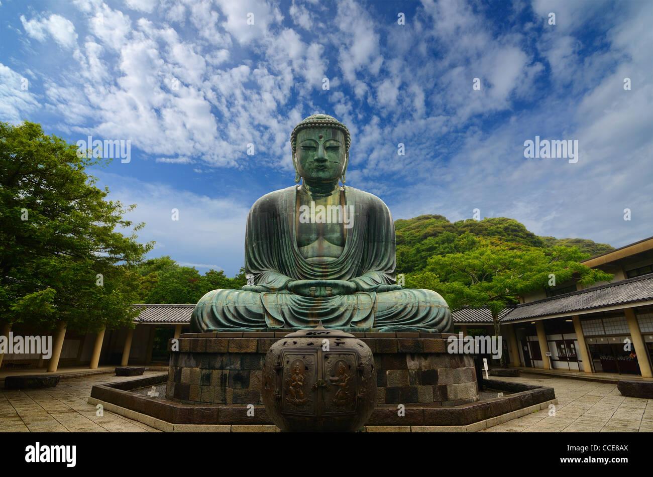 Kamakura Travel: Great Buddha (Daibutsu)