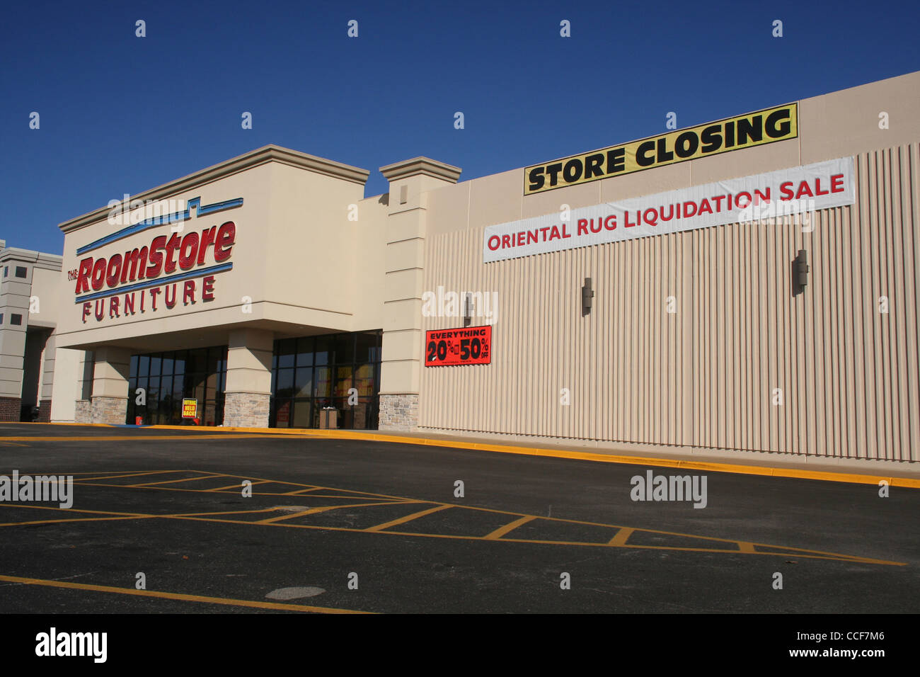 Awesome Stock Photo   The Roomstore Furniture Store Closing Sale   Tyler, TX    January 2012