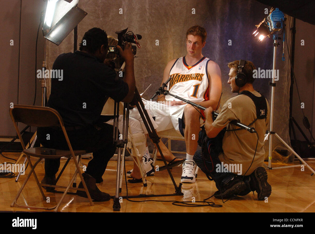 Golden State Warriors Troy Murphy 1 s interviewed during