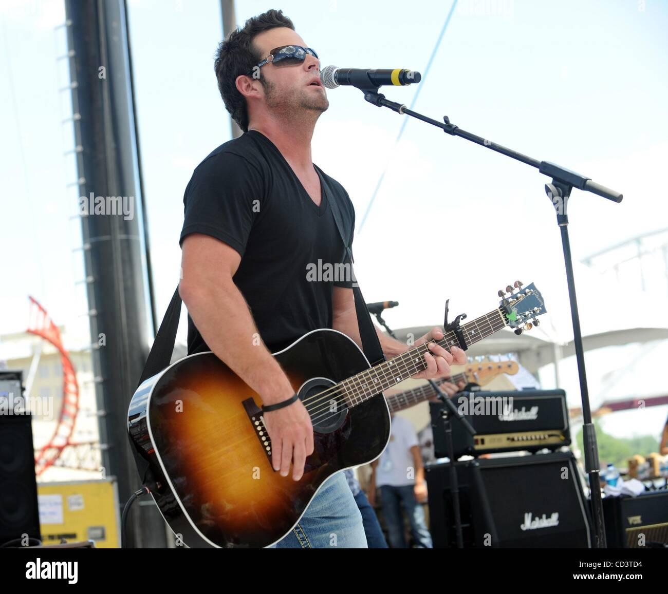 Jun 05, 2008 - Nashville, Tennessee, USA - Musician DAVID NAIL Stock ...