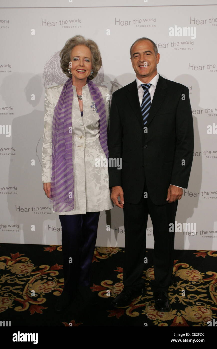 Dr. Valentin Chapero, Isa Graefin Von Hardenberg At Hear The World Gala At  Ritz Carlton Hotel. Berlin, Germany   16.10.2010