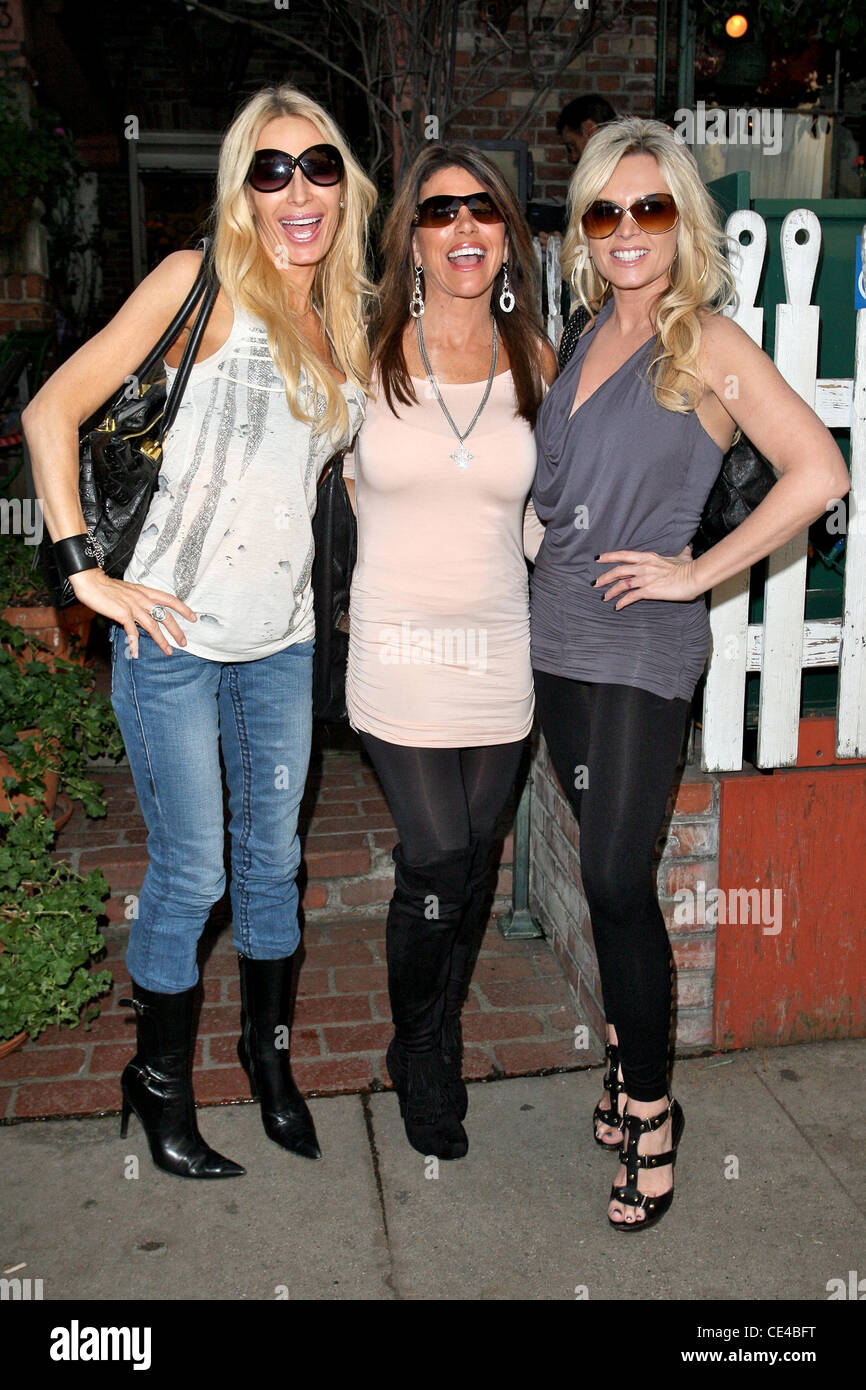 Peggy Tanous, Lynne Curtin And Tamra Barney Cast Members Of U0027The Real  Housewives Of Orange Countyu0027 Eating Lunch At The Ivy Los Angeles,  California   14.01. ...
