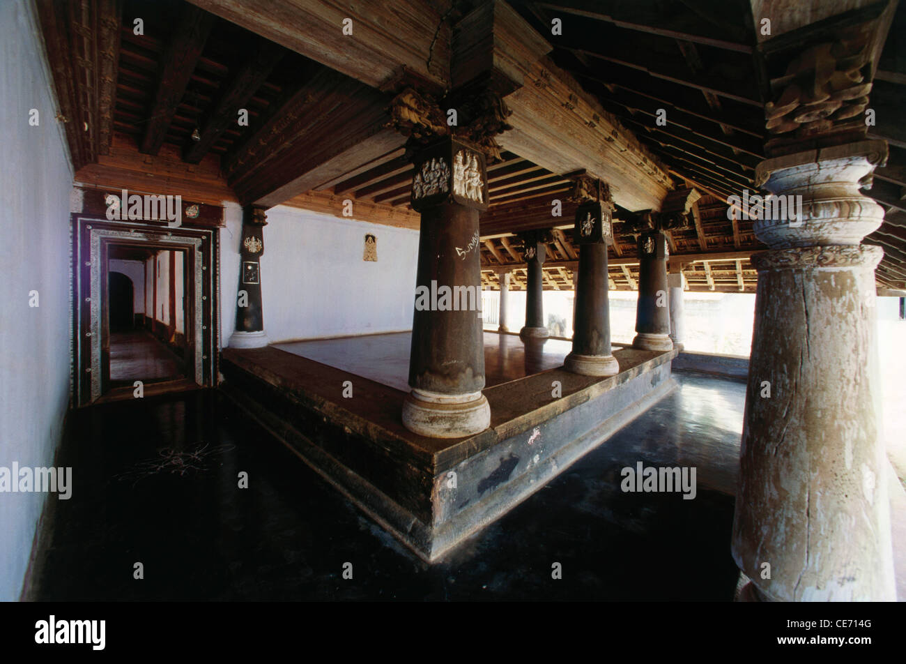 ... - AAD 82405 : old indian house interior pillars palghat kerala india