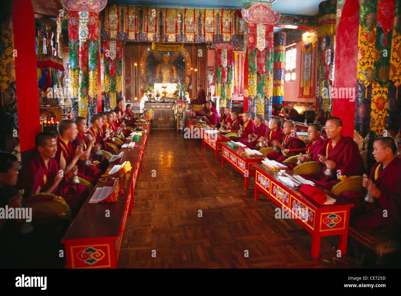 RSC 81737 : Tibetan Buddhist monks praying in monastery ...