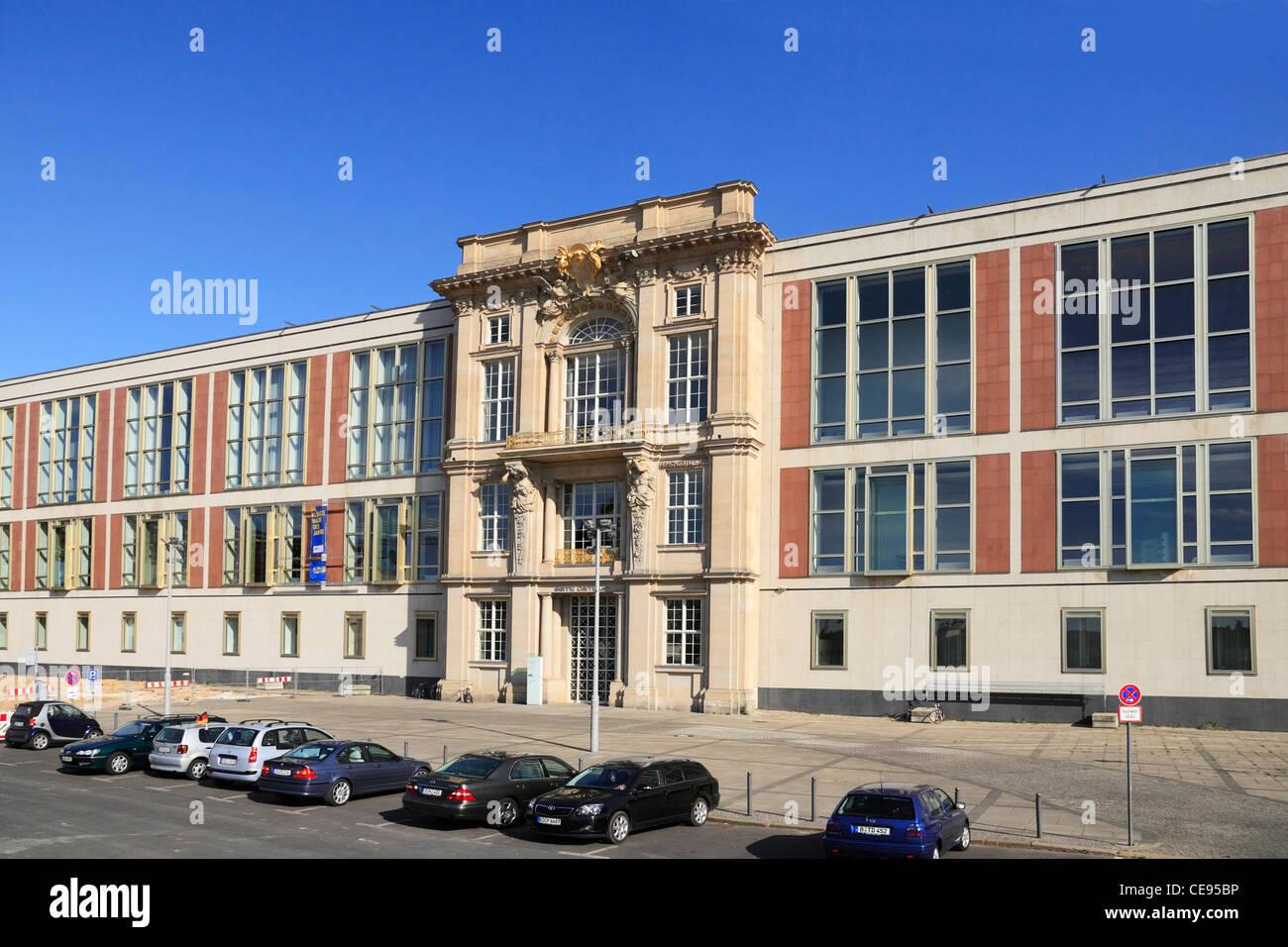 european school of management and technology (esmt), schlossplatz