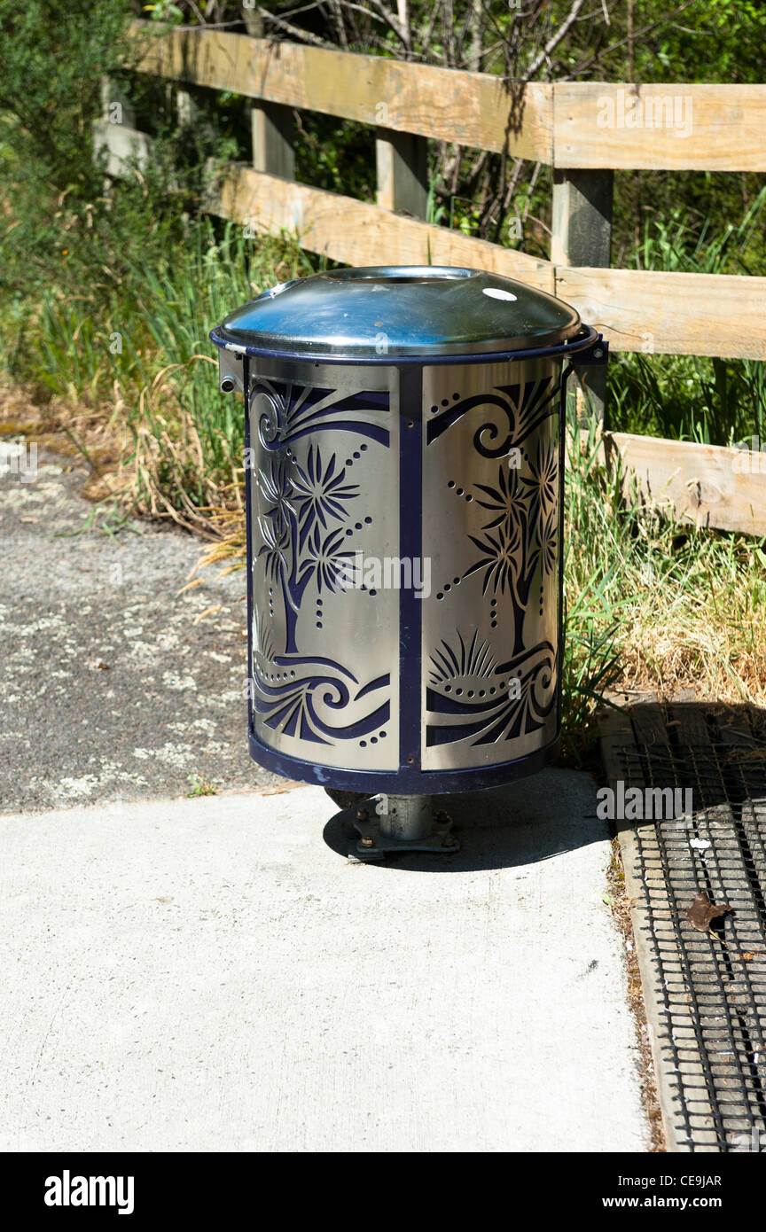 Decorative rubbish bin at the huka falls lookout off huka falls stock photo royalty free - Rd rubbish bin ...