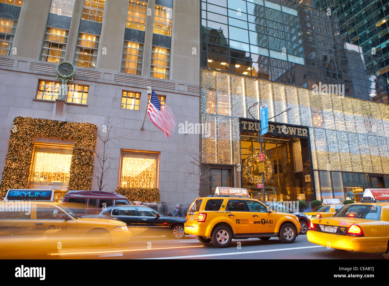 Tiffany co and trump tower with holiday decoration for Tiffany a new york