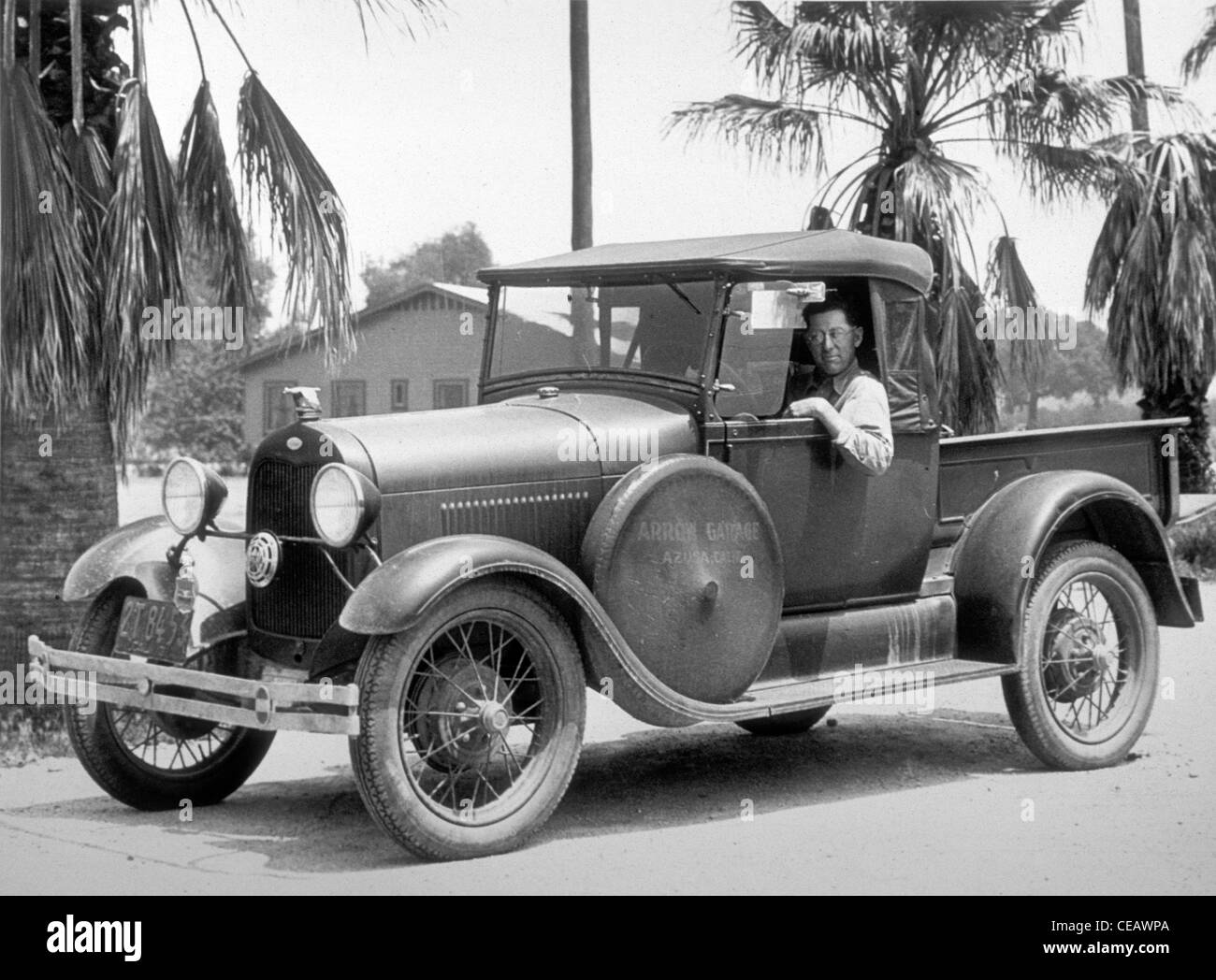 Azuza garage repair truck ford 1920s southern california for Garage reparation ford