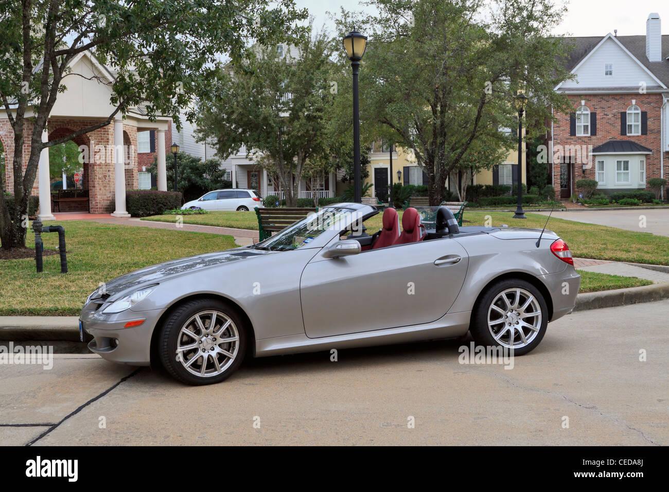 mercedes slk 350 sports car 2007 model in silver grey. Black Bedroom Furniture Sets. Home Design Ideas