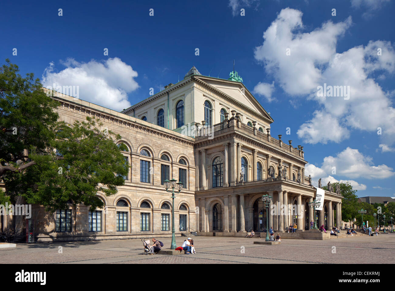 The staatsoper hannover opera house in hanover lower for The hanover house