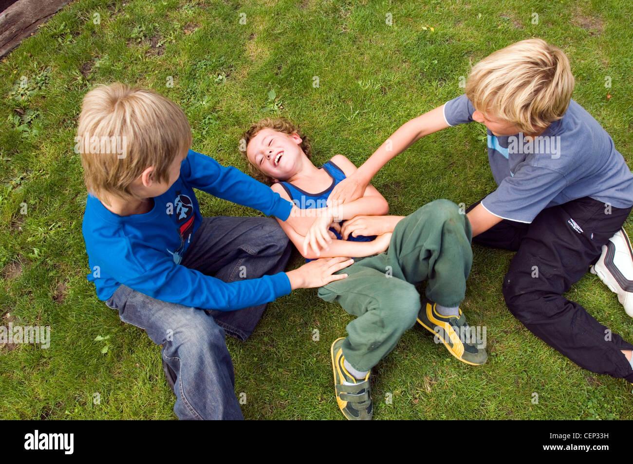 Kids Tickling Images Usseek Com