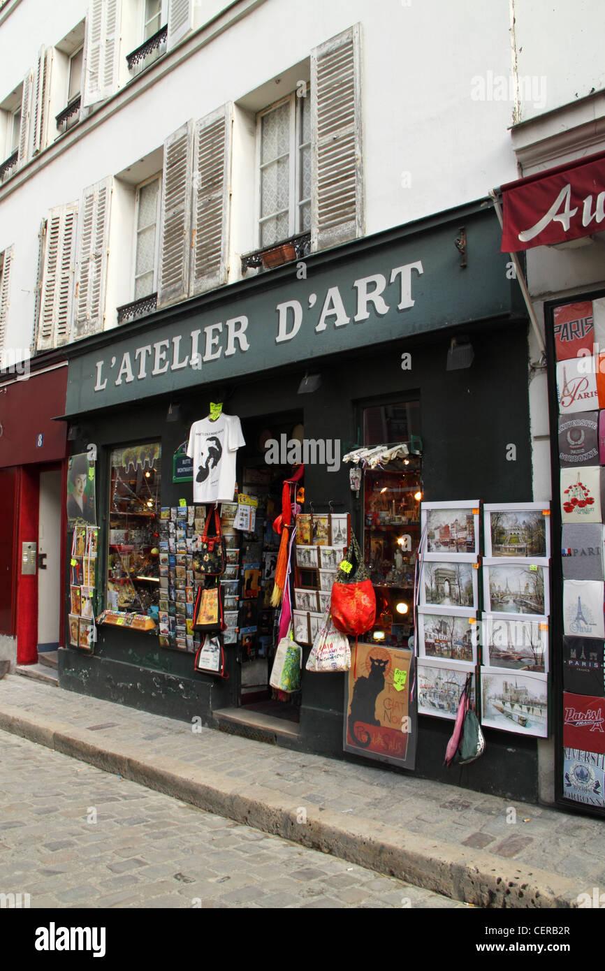 l 39 atelier d 39 art souvenir shop montmartre paris france stock photo royalty free image. Black Bedroom Furniture Sets. Home Design Ideas