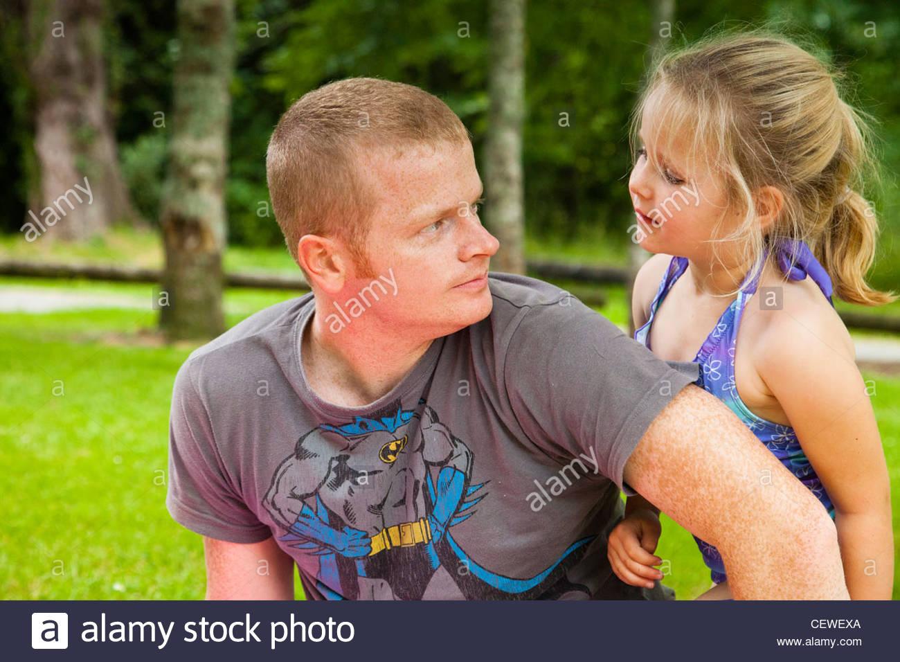 Девушка с взрослым дядей фото 733-892