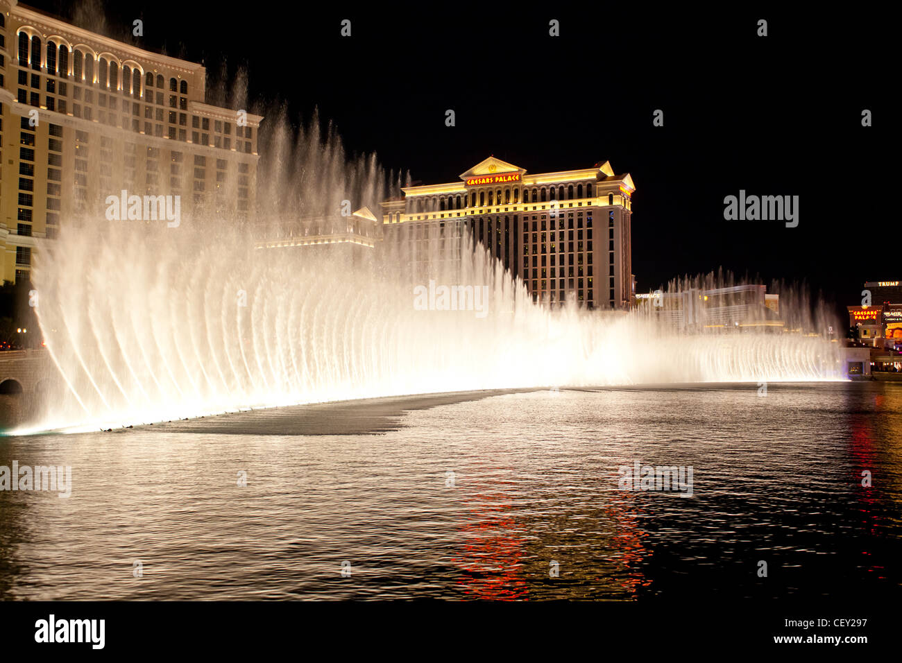 the-water-lightshow-at-the-bellagio-in-l